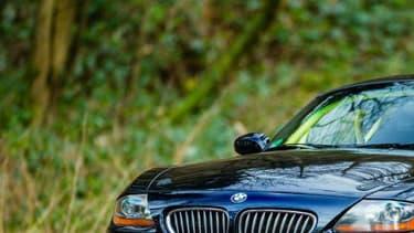 Ce BMW Z4 a troqué son six-cylindres pour un V10 qu'on trouve à l'origine dans une Viper.