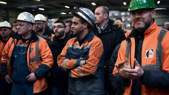 Des ouvriers dans l'usine Ascoval de Saint-Saulve (Hauts-de-France), en décembre dernier.