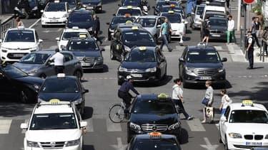 En juin 2015, des centaines de taxis lyonnais avaient bloqué le centre ville lors d'une manifestation anti-Uber.