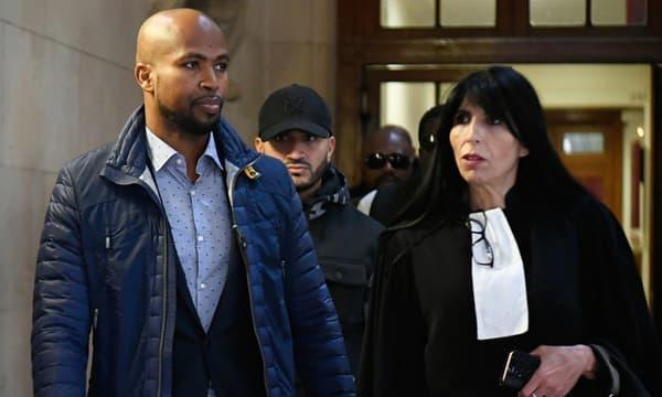 Le rappeur Rohff au côté de son avocate Malika Ibazatene