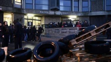 Photo d'archives d'un rassemblement de gardiens devant la prison de Fleury-Mérogis le 22 janvier 2018