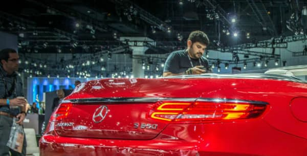Ce cabriolet est le premier de la griffe luxe de Mercedes, Maybach.