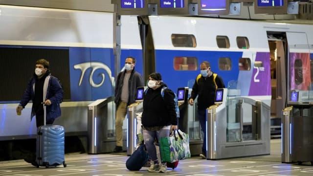"""La SNCF sera prête pour les fêtes, la question étant maintenant de savoir si les Français auront le """"go sanitaire"""" leur permettant de se déplacer malgré la pandémie"""