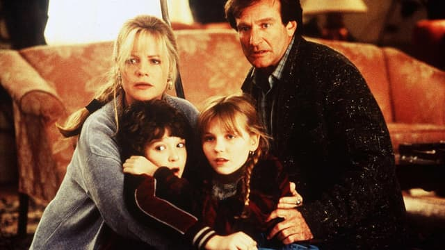 Bonnie Hunt, Robin Williams, Bradley Pierce et Kirsten Dunst, stars du premier volet sorti en 1995