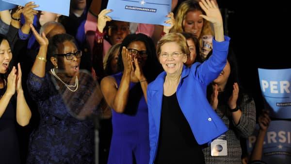 Elizabeth Warren célèbre sa victoire, le 6 novembre 2018.