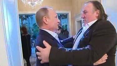 Franche accolade entre Vladimir Poutine (g.) et Gérard Depardieu