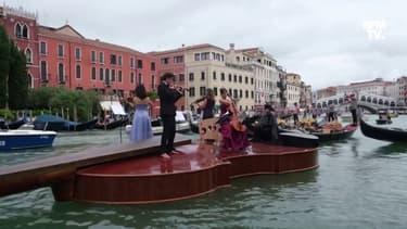 Italie: un violon géant traverse le Grand Canal de Venise au son de Vivaldi