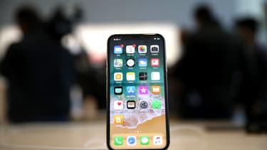 Dans son rapport à la SEC, Apple fait part des risques que font planer les fuites qui ont touchées le lancement de l'iPhone X.