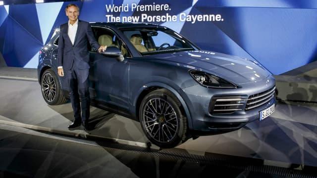La 3e génération du Cayenne a été dévoilée ce mardi à Zuffenhausen, fief de Porsche, quinze ans après la sortie du tout premier Cayenne.