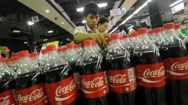 Il faudra patienter jusqu'en mai pour que les bouteilles de Coca-Cola avec prénoms apparaissent dans les rayons.