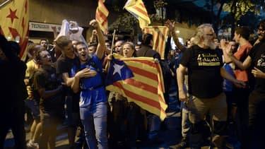 Des manifestants pro-référendum sur l'indépendance de la Catalogne, le 20 septembre 2017 à Barcelone.