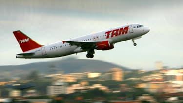 Un avion de la compagnie brésilienne TAM, en 2007. (photo d'illustration)
