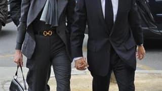 La Direction centrale du renseignement intérieur (DCRI) a bien mené une enquête fin mars sur la diffusion de rumeurs d'infidélité dans le couple Sarkozy, a déclaré mercredi son patron, Bernard Squarcini, au site internet Mediapart. Dans la soirée, Carla B