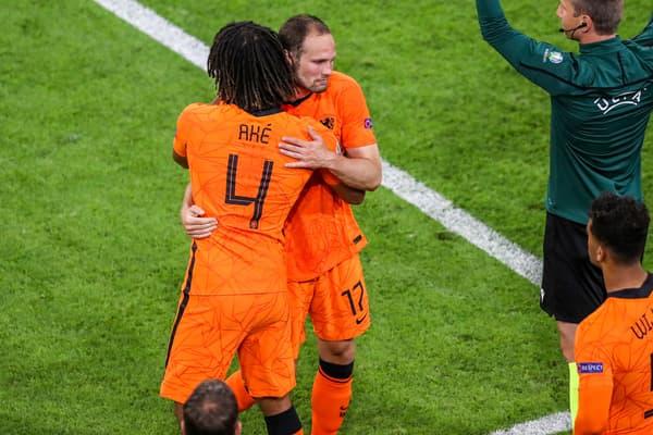 Nathan Aké et Daley Blind avec les Pays-Bas