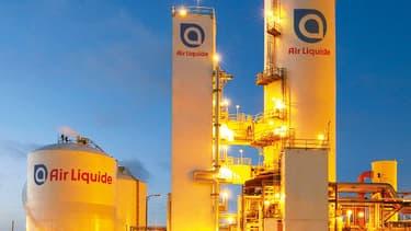 Air Liquide maintient son objectif de hausse de marge, révise celui du résultat net