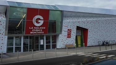 Le centre commercial Monthieu n'a pas ouvert ses portes samedi matin (image d'illustration)