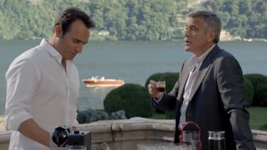 Jean Dujardin et George Clooney se battent pour un café.