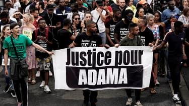 Manifestation pacifique à Beaumont-sur-Oise le 20 juillet 2019 contre les violences policières, trois ans après la mort d'Adama Traoré durant son arrestation