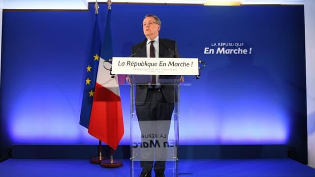 """Richard Ferrand lors de l'annonce des 428 premières investitures de """"La République en marche""""."""