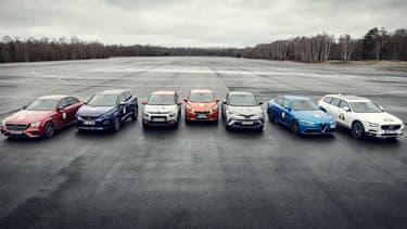 Les 7 finalistes de l'élection 2017 de la voiture de l'année (de gauche à droite): Mercedes Classe E, Peugeot 3008, Citroën C3, Nissan Micra, Toyota CH-R, Alfa Romeo Giulia et Volvo S90/V90.