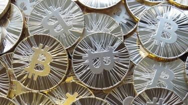 La banque de France déconseille l'utilisation des bitcoins.