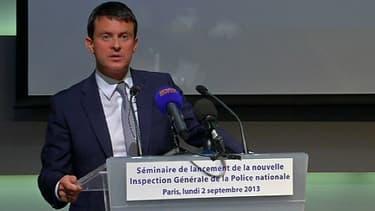 Le ministre de l'Intérieur Manuel Valls, lundi, lors du séminaire présentant la nouvelle IGPN.