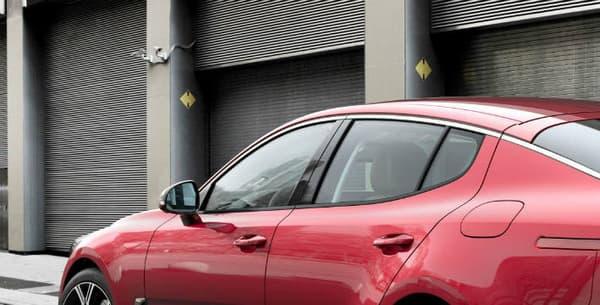 En version GT, la Stinger développe une puissance de 365 chevaux, ce qui en fait le modèle le plus puissant proposé dans l'histoire de Kia.