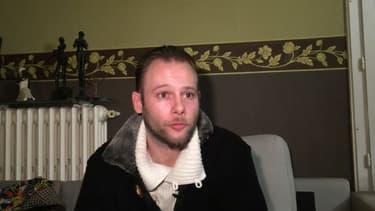Jonathan L, voisin du petit Tony, mort sous les coups de son beau-père à Reims, le 26  novembre 2016, témoigne au micro de BFMTV (Archive).