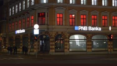 """La BCE a déclaré que PNB Banka, la sixième banque lettone avec 550 millions d'euros d'actifs, avait été déclarée en état de """"faillite ou de faillite probable""""."""