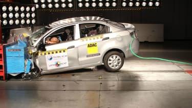 La Chevrolet Sail, fabriquée en Chine et commercialisée dans les pays émergents, récolte la note de zéro sur cinq étoiles au crash test.