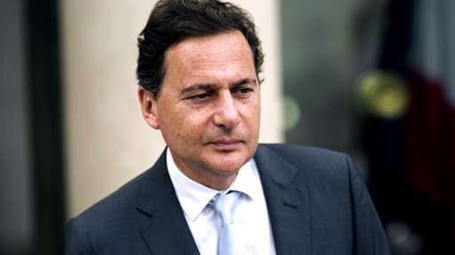 Eric Besson sortant du palais de l'Elysée le 9 mai 2012, il quittait alors son poste de ministre de l'Industrie.