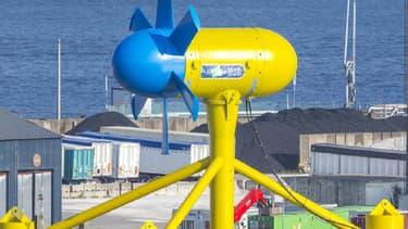 L'hydrolienne Sabella D10 sur le port de Brest, en avril 2015.