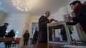 Un bureau de vote de Fesches-le-Chatel, dans le Doubs, dimanche 1er février.