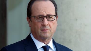Moins d'un Français sur deux ayant voté François Hollande en 2012 le croient quand il dit qu'il n'augmentera plus les impôts.