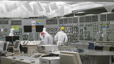 Un ingénieur haut placé chez Tokyo Electric Power (Tepco) avait envisagé en 2007 qu'un tsunami excède les capacités de résistance de la centrale nucléaire de Fukushima-Daiichi mais l'opérateur n'a pas retenu ses conclusions. /Photo prise le 29 mars 2011/R