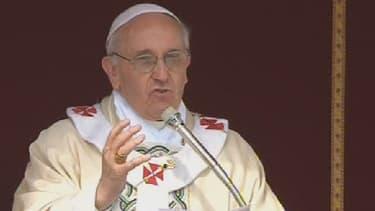 Le pape François a canonisé ses premiers saints