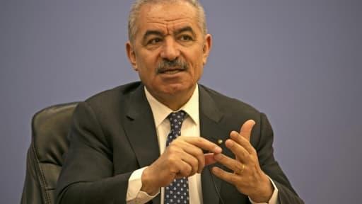 Le Premier ministre palestinien Mohammed Shtayyeh lors d'une conférence de presse à Ramallah, le 9 juin 2020
