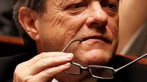 """Jean-Louis Borloo, ministre de l'Environnement, dont le nom est cité au nombre des """"premiers ministrables"""" au cas où Nicolas Sarkozy se séparerait de François Fillon, a déclaré son intérêt pour """"les missions difficiles"""" dans une interview que publie le Fi"""