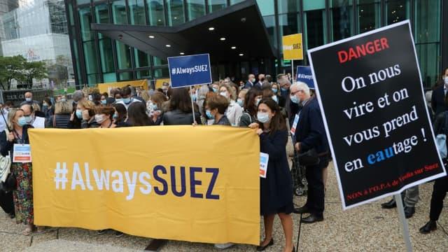 """""""L'intersyndicale de Suez s'associe à la demande de nombreux élus de tous bords (...) afin de demander à l'État de surseoir à sa décision, et demande la tenue d'une commission d'enquête parlementaire"""""""