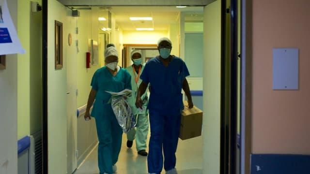 Le personnel médical à l'hôpital Les Abymes à Pointe-a-Pitre, en Guadeloupe, le 6 août 2021