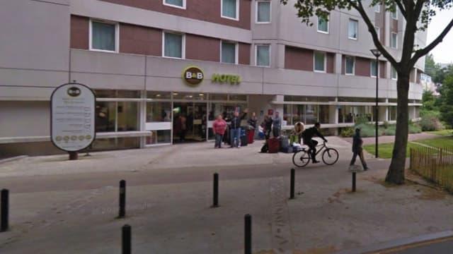 Façade de l'hôtel de la chaîne B&B où le Raid s'est inutilement déployé mercredi matin, à Malakoff dans les Hauts-de-Seine.