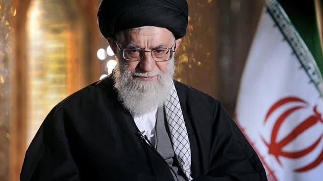 Deux candidats à la présidentielle iranienne ont été écartés du scrutin par un organe proche de l'ayatollah Ali Khamenei, Guide suprême de la Révolution islamique.