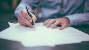 Près d'une entreprise sur deux recrutant en CDD le fait pour éviter les contraintes du CDI.