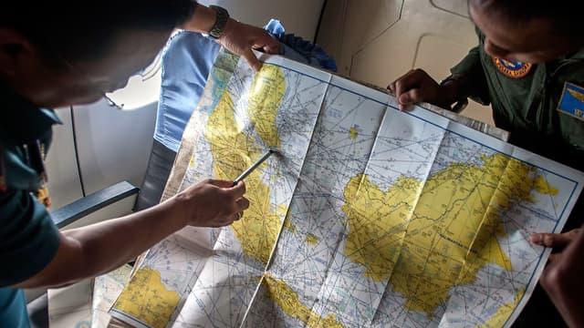 Le vol QZ8501 d'AirAsia a disparu dimanche des écrans radars après avoir décollé de l'île de Java.