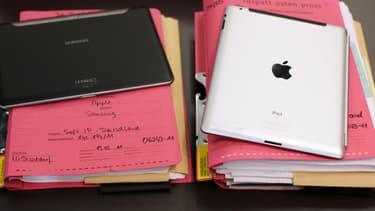 Plus d'une centaine de créateurs de mode et de designers ont apporté leur soutien à Apple dans son litige contre Samsung.