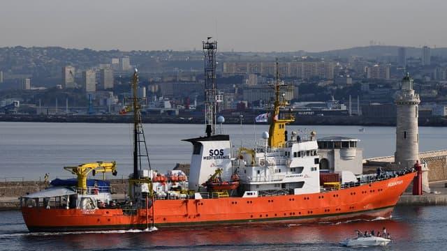 Le navire était arrivé à Marseille le 29 juin dernier pour une escale technique, après avoir pu débarquer ses passagers à Valence (Espagne)