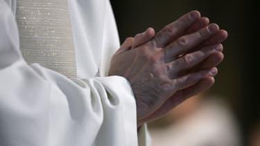 Le père Régis Peyrard est accusé d'agressions sexuelles sur mineur (PHOTO D'ILLUSTRATION).