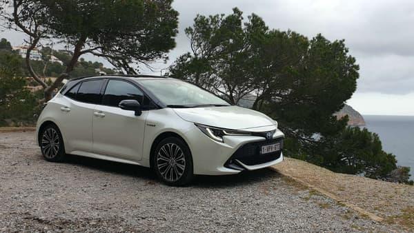 Des consommations raisonnables, mais des sensations de conduite plaisantes, grâce à l'hybride, c'est l'équation de cette nouvelle Toyota Corolla. Le tout à un prix attractif.