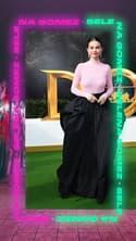 Le look à copier de la semaine: le col roulé rose de Selena Gomez