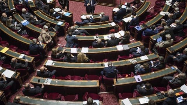 Les sénateurs dans l'hémicycle au Palais du Luxembourg en novembre 2016 (image d'illustration) - LIONEL BONAVENTURE / AFP